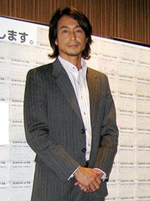 外はねヘアの吉田栄作